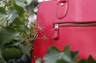 Rote-Tasche-Details