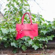 Rote-Tasche-mitEfeu