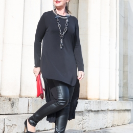 Black-Outfit-Treppe