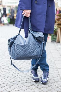 Helene-Fischer-Jumpsuit-Sneaker-Tasche