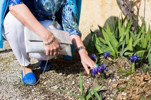Blaue Tunika Garten