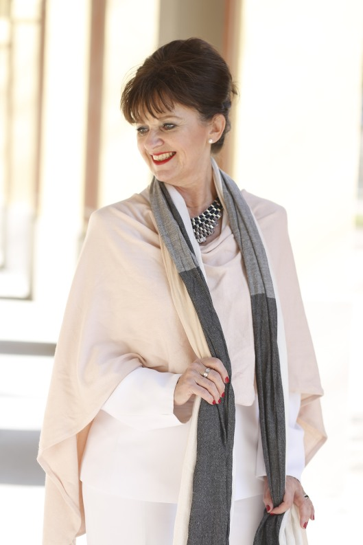 Look in White - Cape und Schal