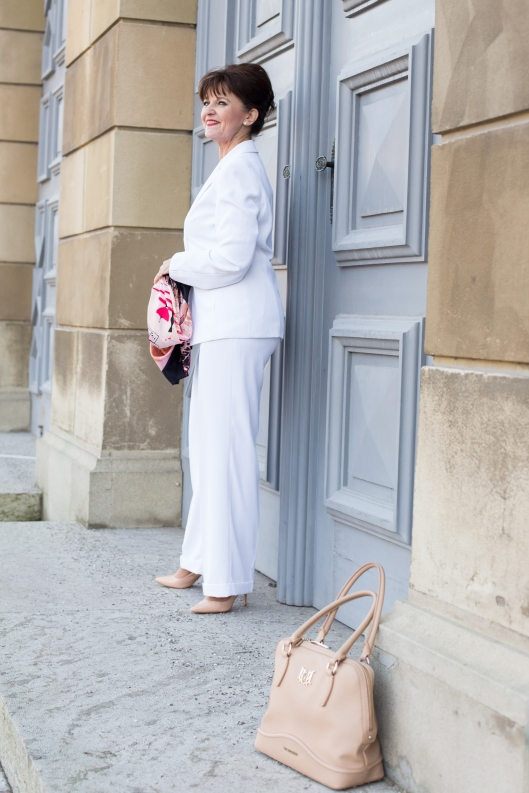 Look in White - Tuch - Tasche